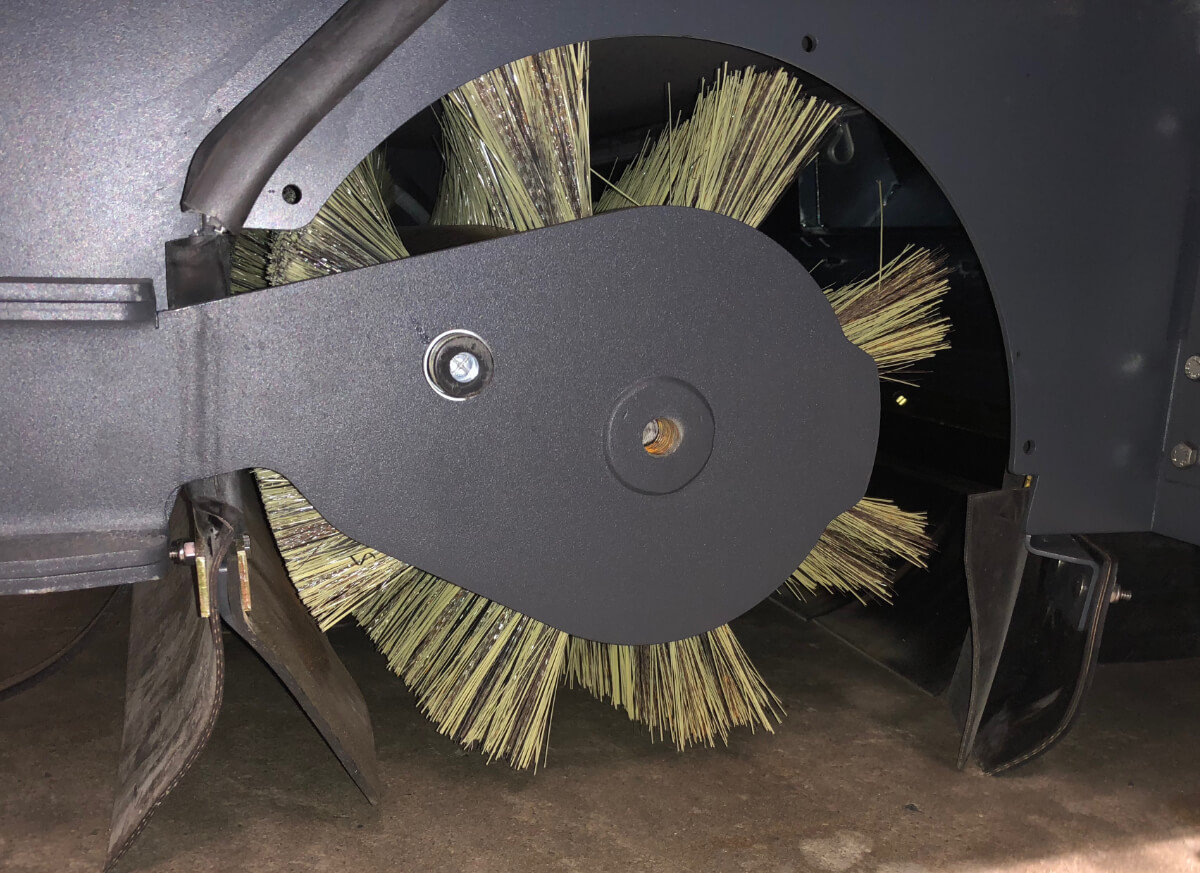 Broom Chamber on an Advance SW8000
